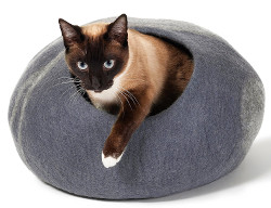 Twin Critters Handcrafted Cat Cave Bed Large