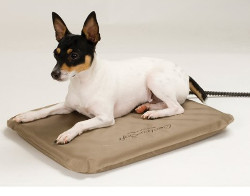 http://www.sikantispets.com/top-3-indoor-electric-heating-pads-for-dogs-and-cats/